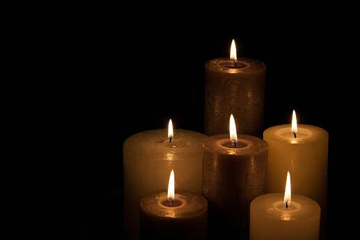 candles-224565_1920