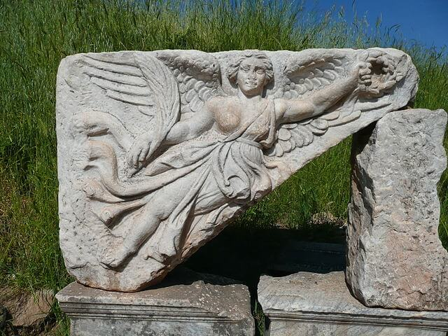 640px-Goddess_Nike_at_Ephesus,_Turkey