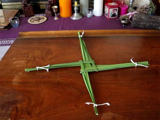 Imbolc-Craft-Brigids-Cross
